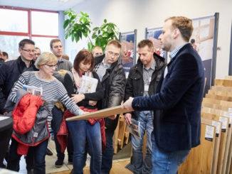 Anfassen erwünscht: Bei der ersten Eigenmarken Roadshow des Hagebau-Fachhandels konnten sich die Besucher von der Qualität der Produkte überzeugen.